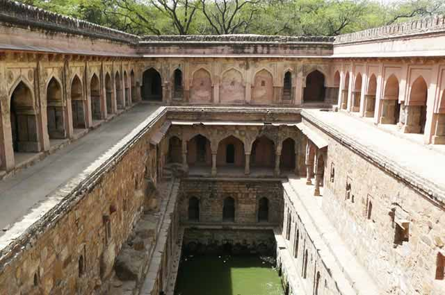 List Of 12 Most Haunted Places In Delhi