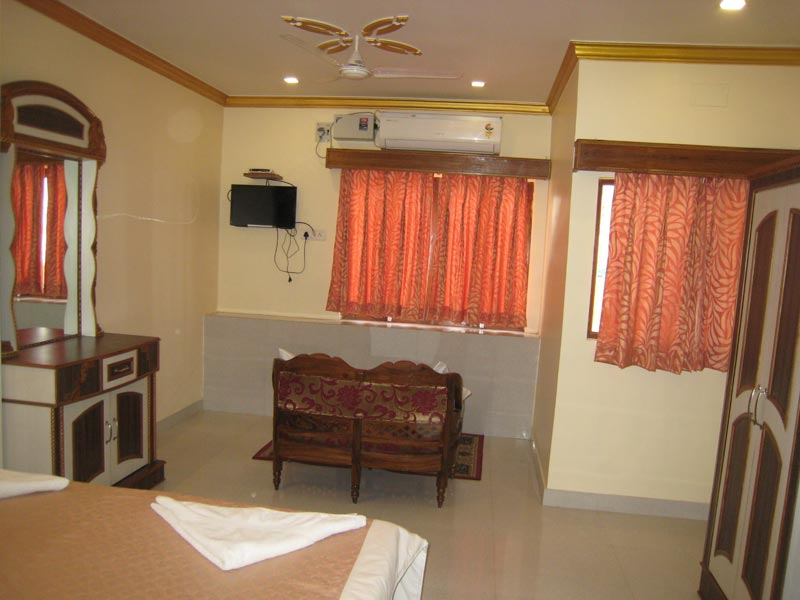 Deluxe OR Twin room