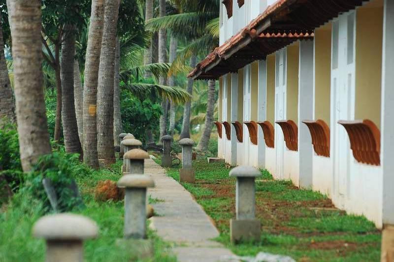 Manor Path way