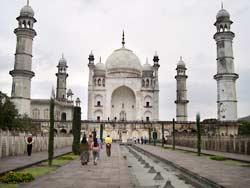 Bibi Ka Maqbara in Aurangabad