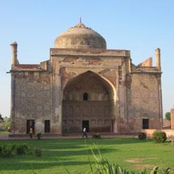 Chini-Ka-Rauza in Agra