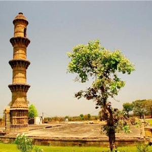 Ek Minar ki Masjid