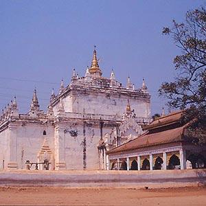 Manuha Temple in Bagan