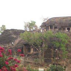 Pandav Caves in Pachmarhi