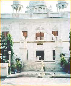 Paonta Sahib Gurudwara in Sirmaur
