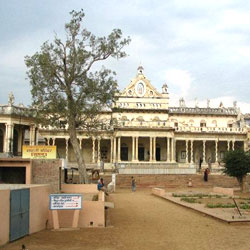 Shahji Temple in Mathura