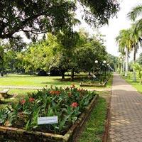 Viharamahadevi Park in