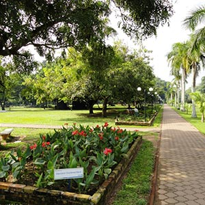 Viharamahadevi Park in Colombo