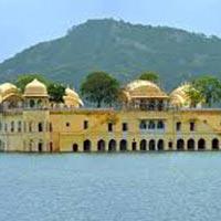 New Delhi - Jaipur - Fatehpur Sikri - Agra - Jhansi - Orchha - Khajuraho - Varanasi