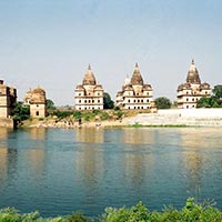 Delhi - Agra - Gwalior - Orchha - Sanchi - Bhopal - Bhimbetka Rock Shelters - Ujjain - Omkareshwar - Mandu - Indore