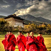 Delhi - Kolkata - Bagdogra - Darjeeling - Pemayangtse - Gangtok - Phuntsholing - Thimpu - Wangdue Phodrang - Paro