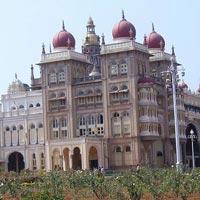 Hyderabad - Gulbarga - Bijapur - Badami - Hampi - Chitradurga - Chikmagalur - Coorg - Nagarhole - Mysore - Bangalore