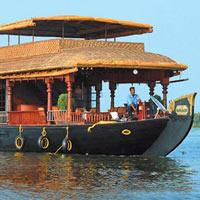 Munnar - Thekkady - Alleppey Houseboat - Alleppey - Kumarakam resort - Kovalam - Cochin