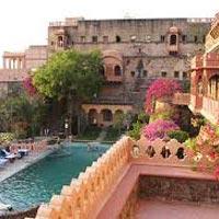 Delhi - Neemrana Fort - Kesroli Fort - Nawalgarh - Mandawa - Nagaur - Khimsar Fort - Bikaner - Osian Village - Jaisalmer - Mihirgarh Fort - Jodhpur- Fort Chanwa - Rankapur Temples - Kumbhalgarh Fort - Devigarh Fort - Udaipur - Eklingi Temple - Chittorgarh Fort - Bundi - Pushkar - Jaipur - Agra - Delhi