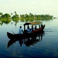 Munnar - Thekady - Alleppey Houseboat - Kumarakom