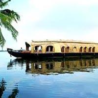 Kanyakumari - Kovalam - Trivandrum - Alleppey - Thekkady - Munnar - Cheeyappara waterfalls - Valara waterfalls - Cochin - Ernakulam
