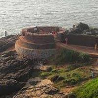 Hyderabad - Gulbarga - Bijapur - Badami - Hampi - Chitradurga - Chikmagalur - Malpe - Coorg - Nagarhole - Mysore - Bangalore