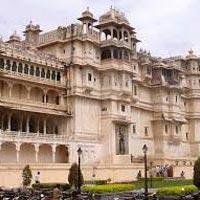 Delhi - Jaipur - Jaisalmer - Jodhpur - Udaipur - Jaipur - Agra - Varanasi - Khajuraho - Hyderabad - Chennai - Thiruvananthapuram - Periyar - Aurangabad - Mumbai