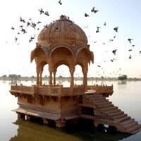 Delhi - Varanasi - Khajuraho - Jhansi - Agra - Jaipur - Alsisar - Bikaner - Jaisalmer - Jodhpur - Udaipur - Aurangabad - Mumbai - Kochi - Nedumudy - Kovalam
