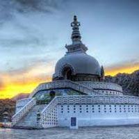 Manali - Keylong - Sarchu - Leh - Nubra – Leh- Lamayuru - Kargil - Srinagar