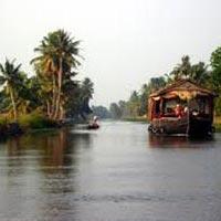 Kochi - Thekkady - Alleppey