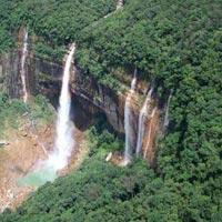 Guwahati - Cherrapunji - Krem Mawmluh Cave - Shillong