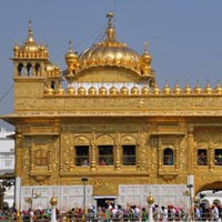 Amritsar - Jammu - Patnitop - Kashmir - Gulmarg - Sonamarg - Pahalgam - Vaishno Devi