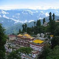 Delhi - Darjeeling - Tonglu - Garibas - Sandakphu - Phalut - Rammam - Rimbik - Pelling - Yuksom - Martam - Gangtok - Delhi