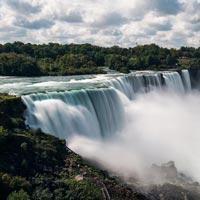 Niagara Falls - Toronto - Ottawa - Montreal - Banff - Lake Louise - Kamloops - Vancouver