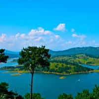 Guwahati - Shillong - Cherrapunjee - Mawlynnong