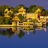 Mumbai - Rajkot - Sasangir - Diu - Bhavnagar - Ahmedabad - Dungarpur - Udaipur