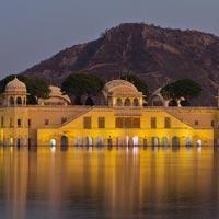 Mumbai - Aurangabad - Dhar - Omkareshwar - Indore - Bhopal - Mandu - Ujjain - Sanchi - Orchha - Gwalior - Fatehpur Sikri - Agra - Jaipur