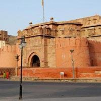 New Delhi - Agra - Fatehpur Sikri - Jaipur - Samode - Pushkar - Kota - Chittorgarh - Udaipur - Dungerpur - Mount Abu - Rohetgarh - Jodhpur - Jaisalmer - Khuri - Kheechan - Bikaner - Deshnoke