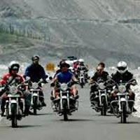 Srinagar - Kargil - Lamayuru - Leh - Nubra Valley - Pangong - Leh - Kargil - Sonamarg - Srinagar.