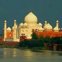 Delhi - Jaipur - Fatehpur Sikri - Agra - Gwalior - Orchha - Khajuraho - Varanasi
