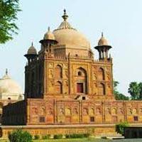 Delhi - Mathura - Agra - Allahabad - Varanasi - Delhi