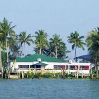 Cochin - Munnar - Thekkady - Kumarakom