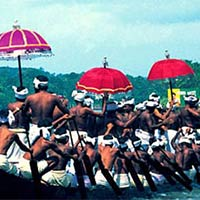Cochin - Munnar - Thekkady - Periyar - Kodaikanal - Madurai - Rameshwaram - Kanyakumari - Kovalam - Kumarakom - Alleppey
