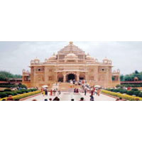 Mumbai - Bhavnagar - Ahmadabad - Ujjain - Mandu - Indore - Bhopal - Gwalior - Agra - Delhi