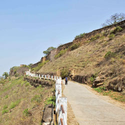 Mirzapur Travel Guide