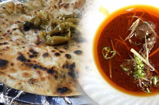 15 Yummy Street Food in Delhi Everyone Must Try