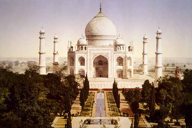 Top 22 Places To Visit in Agra