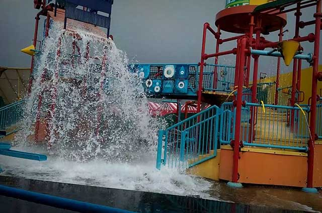 Adventure Island is one of the famous amusement parks in Delhi