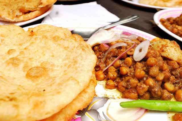Chache Di Hatti is one of the famous food court in Delhi