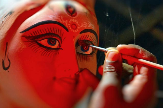 Chokkhu Daan marks the commencement of Durgotsava. It is observed a week before Durga Pooja