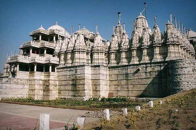Dilwara Temple is one of the famous temple in Mount Abu