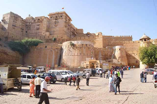 Jaisalmer Fort is one of the famous fort in jaisalmer