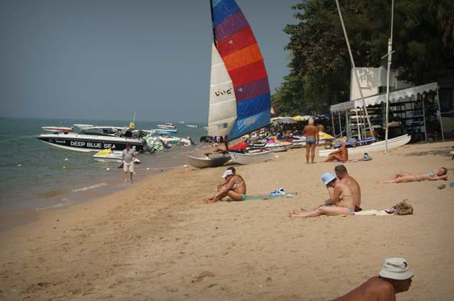 Jomtien Beach is one of the major tourist place in pattaya
