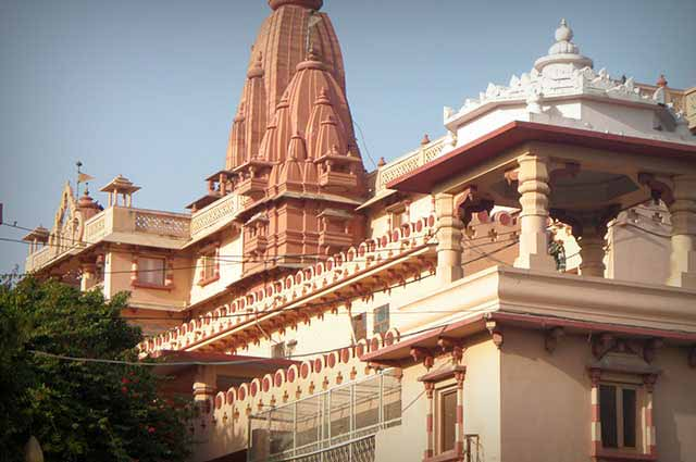 Krishna Janma Bhoomi Mandir is famous Mandir in Mathura