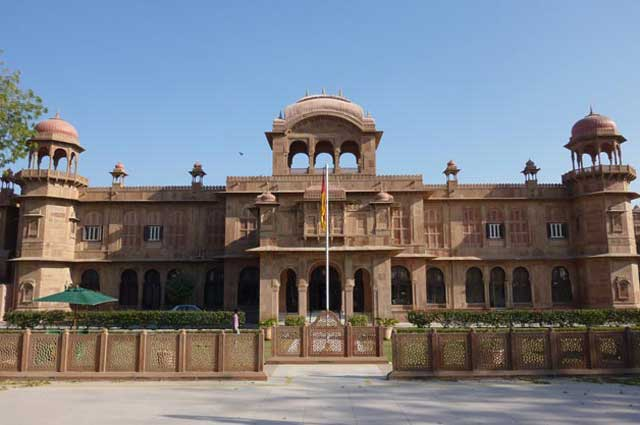 Lal Bagh Palace is well known places in Indore
